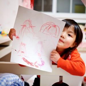 Por que manter a criança da Educação Infantil na escola, mesmo a distância?