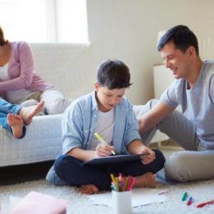 Como ajudar os filhos a estudar em casa?